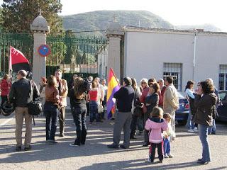 Conmemoración del día de la República en el cementerio de Los Remedios de Cartagena